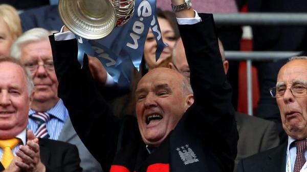 Man City life president Halford dies