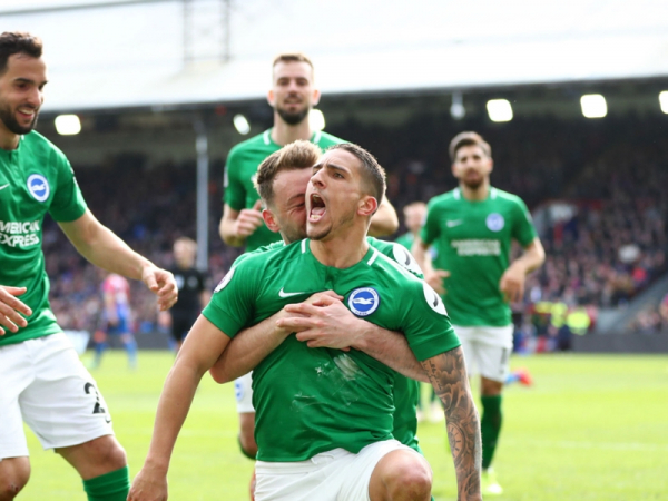 Hughton hails 'manly' performance as Brighton beat Crystal Palace