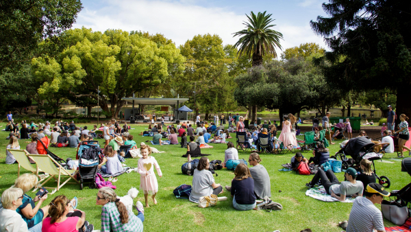 RTRFM 92.1 returns to Hyde Park for annual Neon Picnic