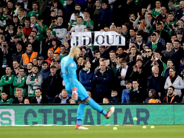 Tennis-ball protest against FAI chief John Delaney disrupts Ireland win over Georgia in Euro 2020 qualifier