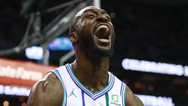 Kemba Walker sparks 30-5 Hornets run in fourth to beat Boston 124-117
