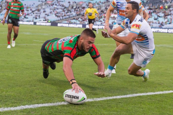Souths stay unbeaten with win over Titans, Dogs down Wests Tigers