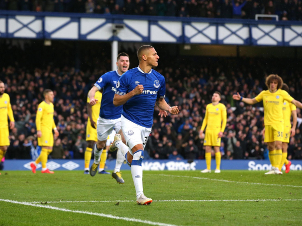 Everton vs Chelsea: Richarlison and Gylfi Sigurdsson fire Toffees to much-needed win against Blues