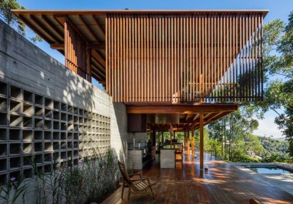 Reinach Mendonça designs CM Residence as a light timber pavilion