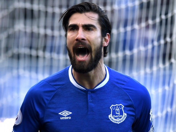 Barcelona or Everton? Gomes yet to make future call