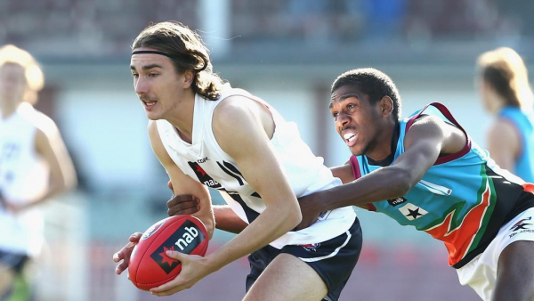 Suns circle U18 ball-magnet to boost midfield stocks