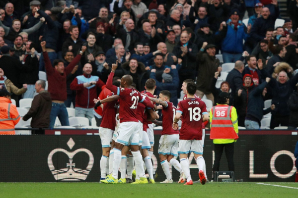 West Ham 4-3 Huddersfield: Super-sub Chicharito seals stunning London Stadium comeback