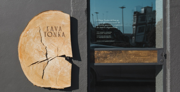Fava Tonka Branding
