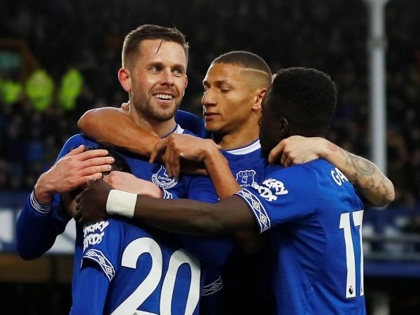 Everton vs Chelsea result: Gylfi Sigurdsson and Richarlison hand below-par Blues damaging defeat