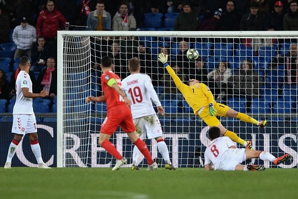 Granit Xhaka almost rips the net with Switzerland wonder goal – on his weak foot
