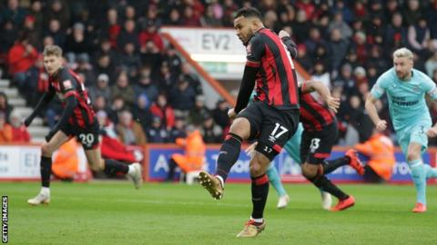 Ritchie's last-gasp strike salvages point for Newcastle at Bournemouth