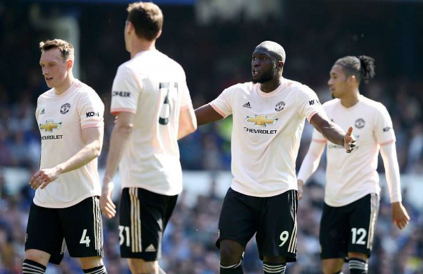 Man United are in 'meltdown' as players clashed in dressing room after Everton loss