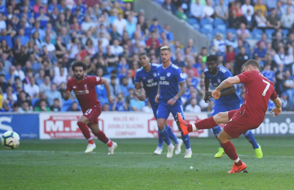 Fan footage shows Mo Salah didn't celebrate with James Milner after Cardiff penalty