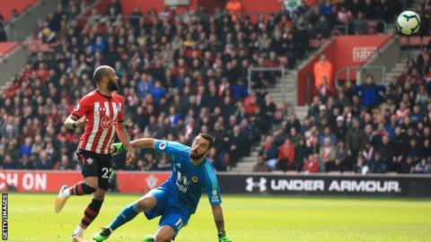 Redmond double moves Southampton huge step closer to safety