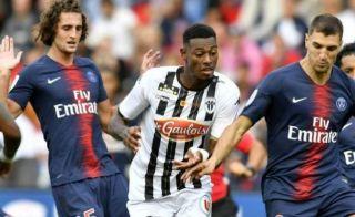Manchester United consider smart transfer swoop for unsettled star