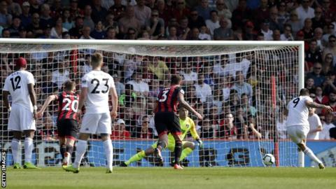 Fulham beat Bournemouth for first away win of league season