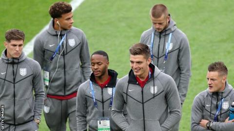 Goalkeeper Pope commits future to Burnley