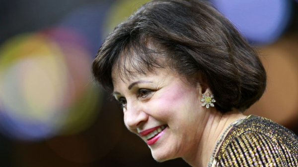 Pelicans owner Gayle Benson says it's 'completely untrue' she'd refuse to trade Anthony Davis to Lakers