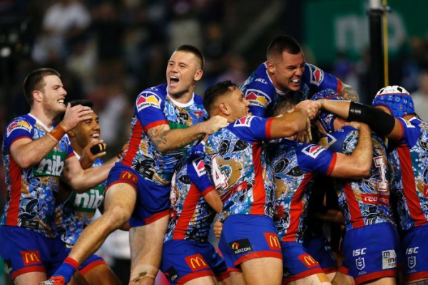 Knights smash the Roosters, Titans too strong for Manly