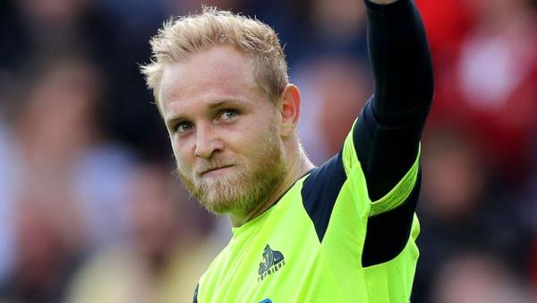 Gunn howler gifts Huddersfield point