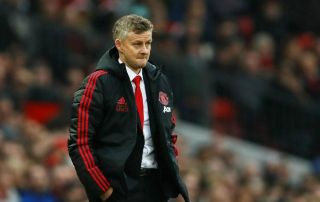 Manchester United to wait before offer star new contract amid fears of history repeating itself