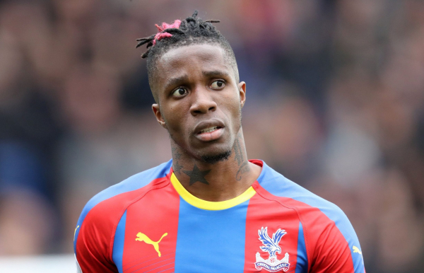 Crystal Palace want Wilfried Zaha sell-on clause removed before allowing Aaron Wan-Bissaka to join Manchester United