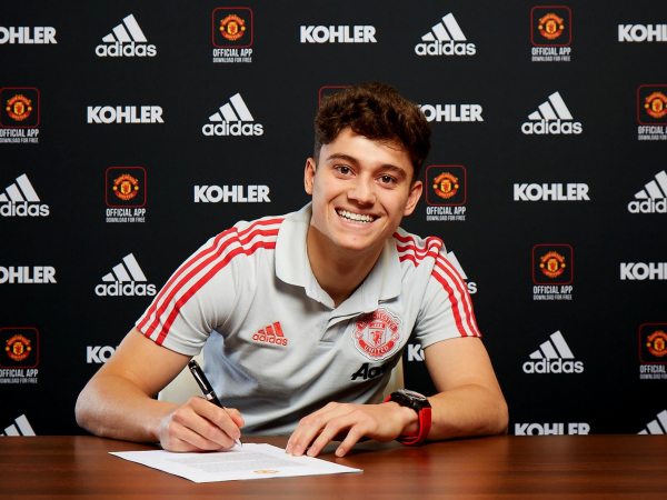 Daniel James: Manchester United signing incredibly proud in first words as Old Trafford player
