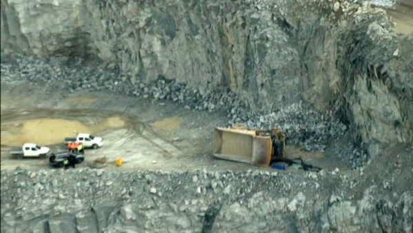 Mining dump truck driver dies after falling into quarry at Red Hill, near Perth