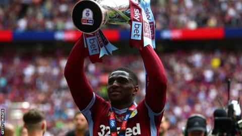 Kortney Hause: Aston Villa sign defender from Wolves