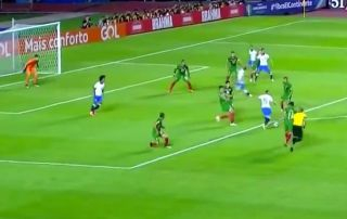 Video: €40m+ Everton Soares shows why Man City, Man Utd are interested with stunning goal for Brazil