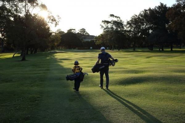 The 'aggressive' fight over a golf course dividing Sydney's inner-west