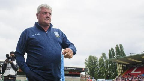Newcastle target Bruce resigns as Sheff Wed manager