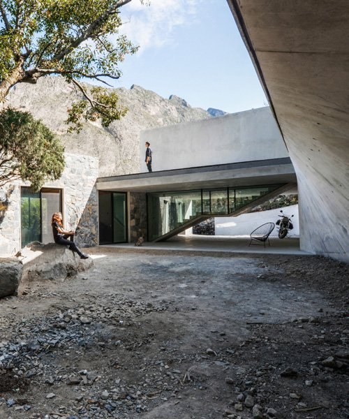p+0 arquitectura combines concrete and stone in the 'bedolla' house in mexico