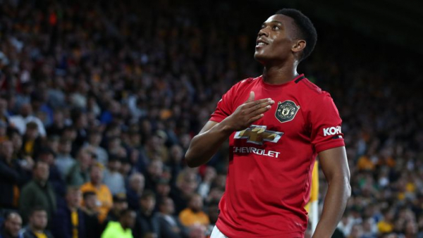 Pogba misses pen as Wolves hold Utd