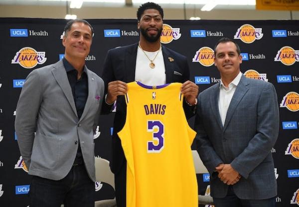 Lakers News: Frank Vogel Describes Anthony Davis As 'Major Factor' On Offense, Defense