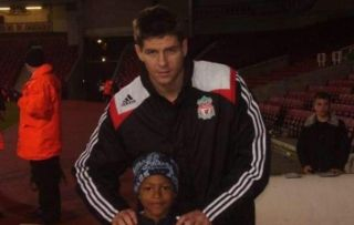 (Photo) Liverpool star inadvertently reveals boyhood support of another Premier League club