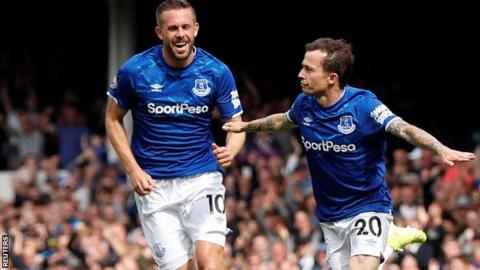 Early Bernard goal enough for Everton to see off Watford