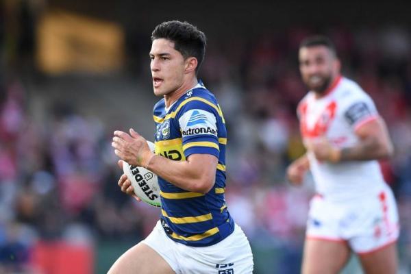 Eels eke out a win, Roosters run away with it against Titans