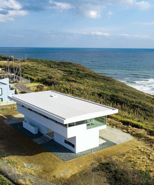 TAPO builds horizon house on a japanese hillside to frame views of the ocean