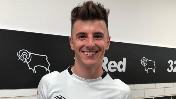BT Sport pundit reacts to Mason Mount injury during Chelsea FC's loss to Valencia