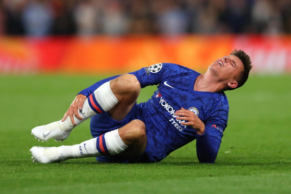 Mason Mount injury: Chelsea Champions League debut ended by tackle from ex-Arsenal midfielder Francis Coquelin