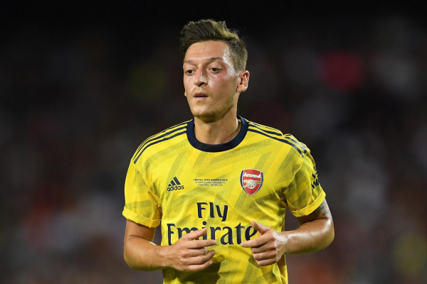 Arsenal star Mesut Ozil opens up on carjacking ordeal but insists it never made him want to leave London