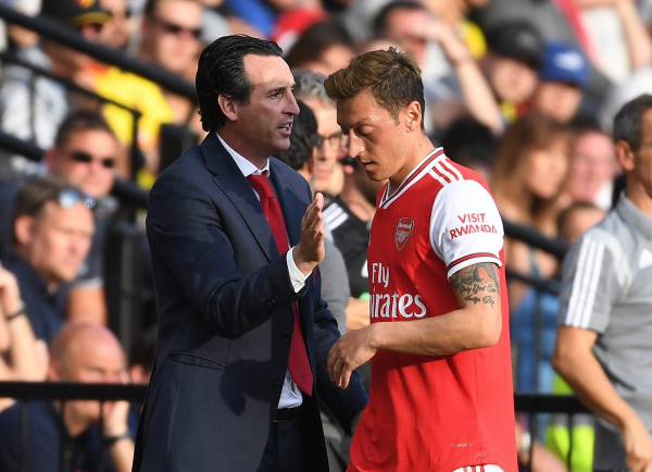 Unai Emery sends message to Mesut Ozil after Arsenal midfielder's latest interview