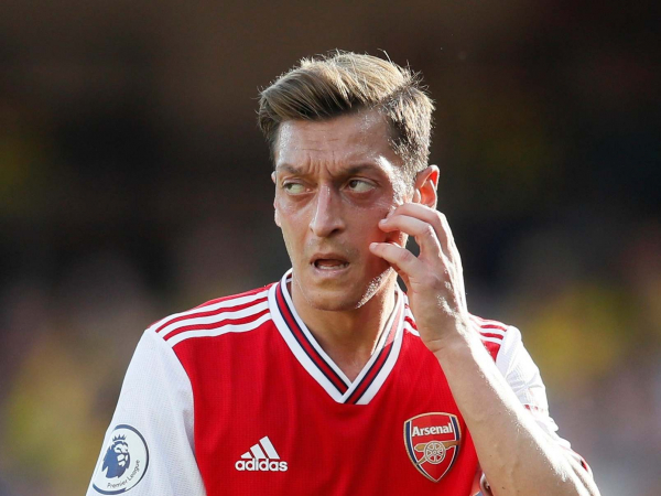 Arsenal transfer news: Mesut Ozil intends to stay at the club until the end of his contract in 2021