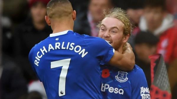 Richarlison fires Everton to Saints win