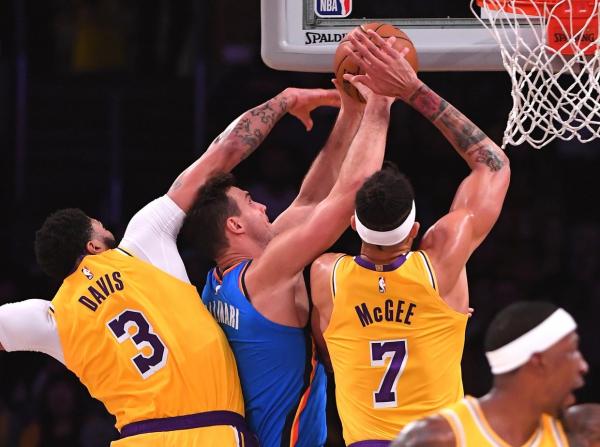 Lakers News: Anthony Davis Calls For Defensive Improvement Despite Win Against Thunder