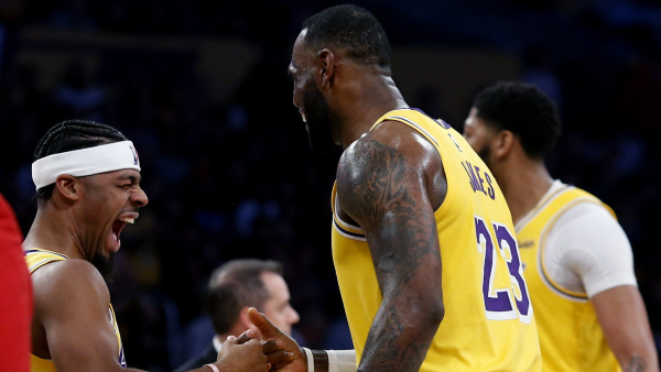 NBA Power Rankings: Lakers move to top spot with fast-charging Rockets right behind