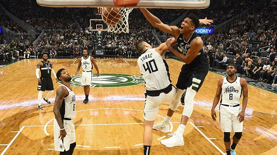 Giannis Antetokounmpo celebrated his birthday by scoring 27, leading Bucks in rout Clippers