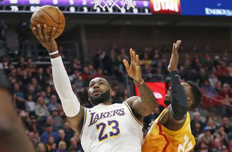 Davis scores 26 points, Lakers rout Jazz 121-96
