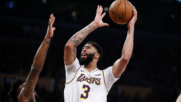 "Anthony Davis' ""old-school, smash-mouth"" 50 points leads Lakers past Wolves (VIDEO)"
